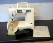 Toyota rs2000 kb16 sewing machine for Machine a coudre toyota rs2000